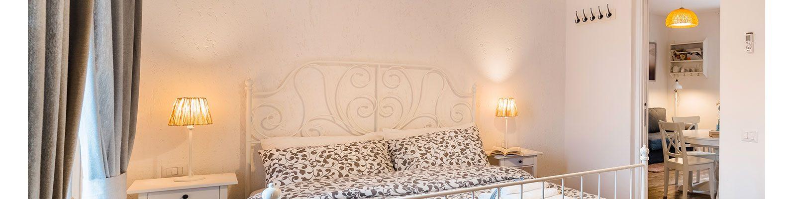 Camera doppia in appartamento a Sabudia